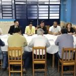 Sindicato sedia reunião com lideranças