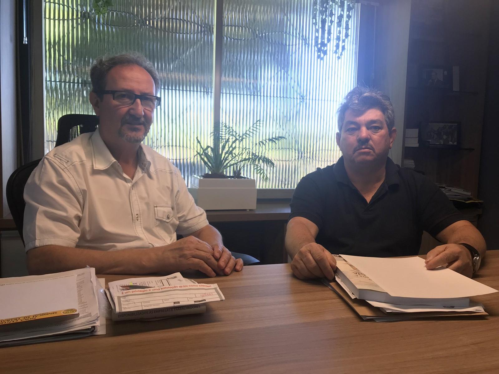 Presidente da entidade, João Pires e vice-presidente, Gaspar Nehering, acompanham de perto a situação após a saída da empresa do município
