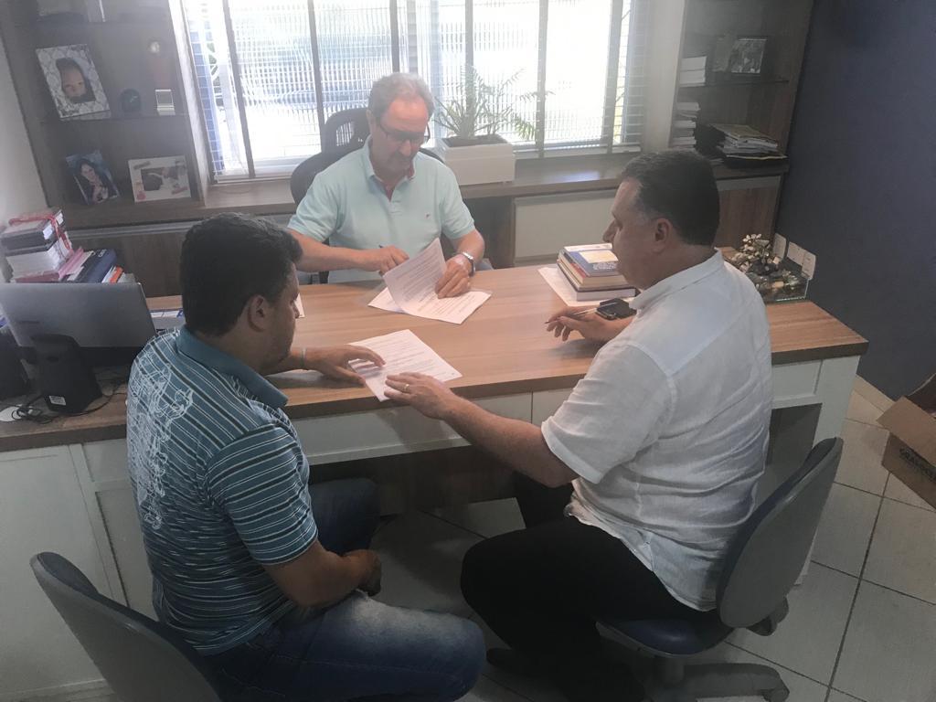 Vanderlei Somavilla formalizou o acordo individual junto ao Sindicato dos Sapateiros