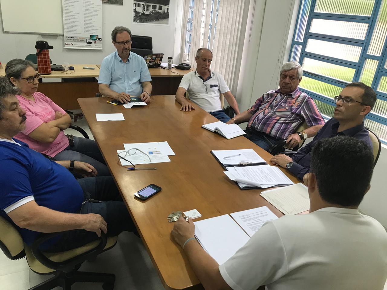 Diretoria da entidade se reuniu com advogado para definir os principais pontos da negociação coletiva