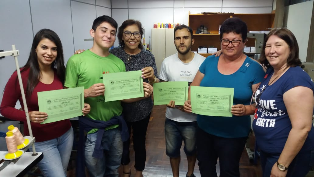 Alunos dos cursos gratuitos receberam certificados na última semana