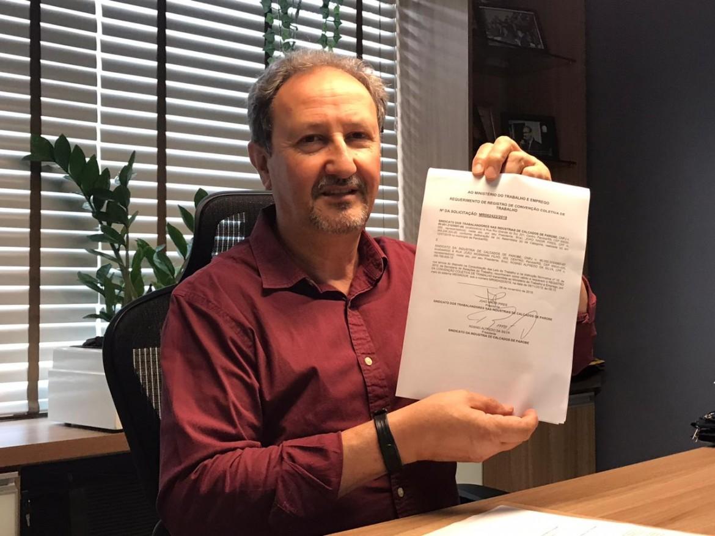 Presidente da entidade de Parobé, João Pires, anuncia o fechamento do acordo coletivo para este ano.