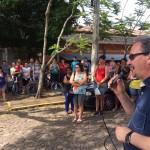 Sindicalistas presentes em manifestação no bairro Planalto
