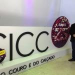 Comitiva de Parobé visita estandes do 25° Salão Internacional do Couro e do Calçado (SICC)